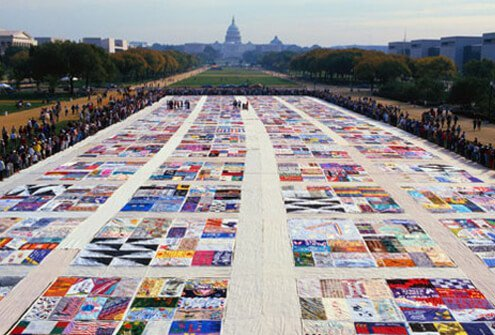 AIDS Memorial Quilt displayed on the National Mall in Washington, D.C. (1987)