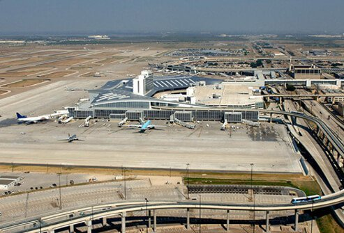 1. (tie) Dallas/Fort Worth International Airport: Score 95%