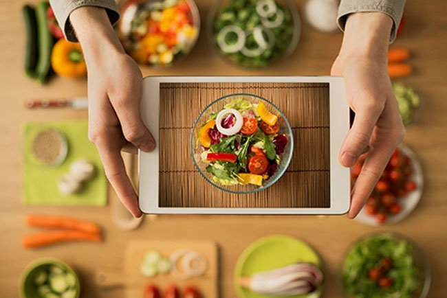 Eating a healthy diet can help you manage your blood sugar levels.