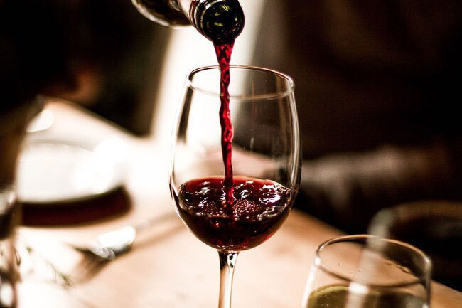 A glass of red wine daily might be good for your heart, but once you have heart failure, it's best to abstain.
