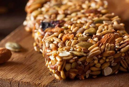 Healthy granola bars provide protein, fiber, and minerals.