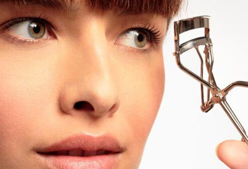 Photo of eyelash curler.