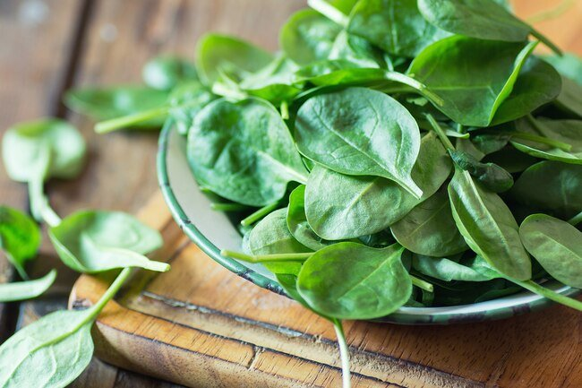 Spinach is a leafy green that is high in nitrates and good for your arteries and blood flow.
