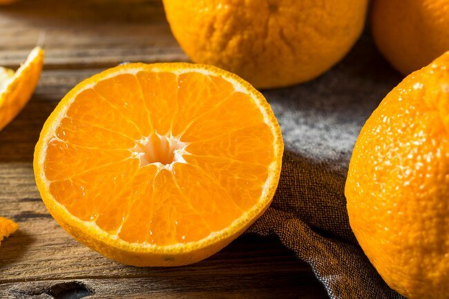 Antioxidants in orange juice reduce inflammation and improve blood circulation.