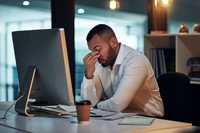 In a poll of 300 people who get regular headaches, respondents said they tended to get computer overuse headaches 50% of the time.