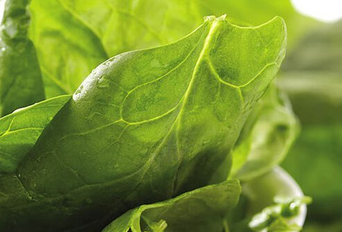 Spinach contains folate, vitamin A, vitamin C, fiber, magnesium, and iron to boost immune function.