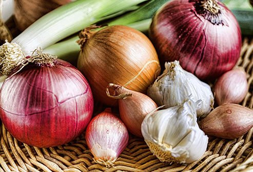 Onions and garlic are your allies in the kitchen and in the bedroom.