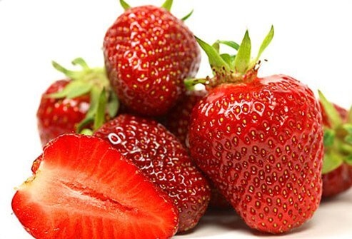 In the lab, extracts from organic strawberries have been shown to have more cancer-fighting antioxidants.