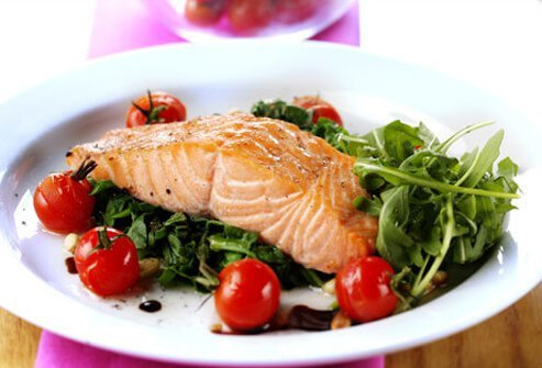 Women who consume a low-fat diet for 4 years may reduce their risk of ovarian cancer.