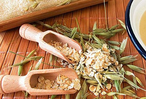 Oats and hulls displayed on spa table.