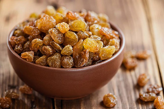 It is a myth that gin-soaked raisins help relieve RA pain.