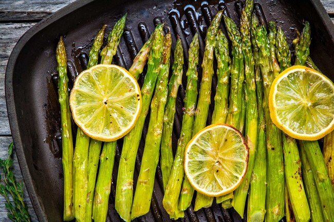 Asparagus and food coloring may turn your urine green.