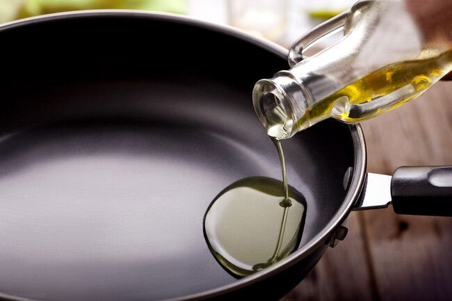 A landmark study 30 years ago linked too much linoleic acid, a type of unsaturated fat, with a higher chance of AMD.